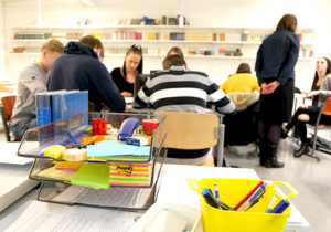 Hyvinkään Sveitsin lukio rohkaisee abiturientteja yrittäjyyteen ja työelämään: lisää tietoja ja taitoja työnhakuun